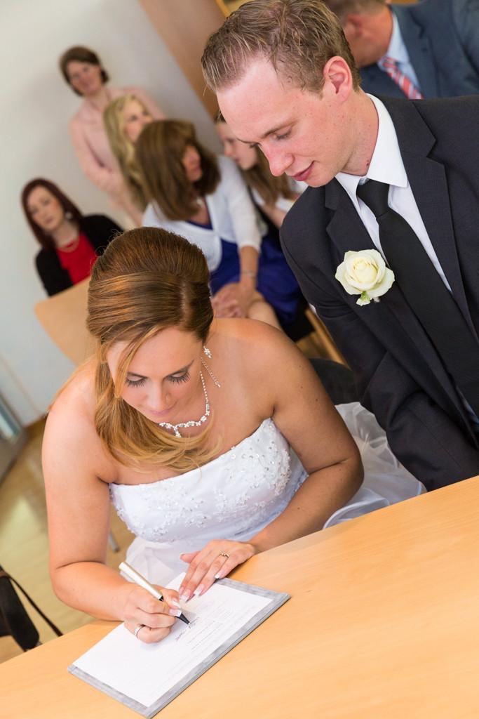 DJF_0192 standesamtliche Hochzeit Trauung Rathaus Standesamt Harsewinkel Fotograf Hochzeitsfotograf Kreis Gütersloh Greffen Paderborn - Diana Jill Fotografie