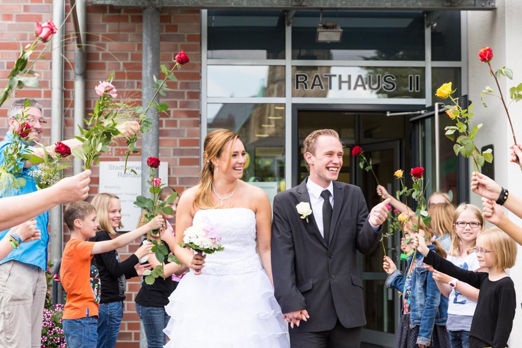 DJF_0234 standesamtliche Hochzeit Trauung Rathaus Standesamt Harsewinkel Fotograf Hochzeitsfotograf Kreis Gütersloh Greffen Paderborn - Diana Jill Fotografie