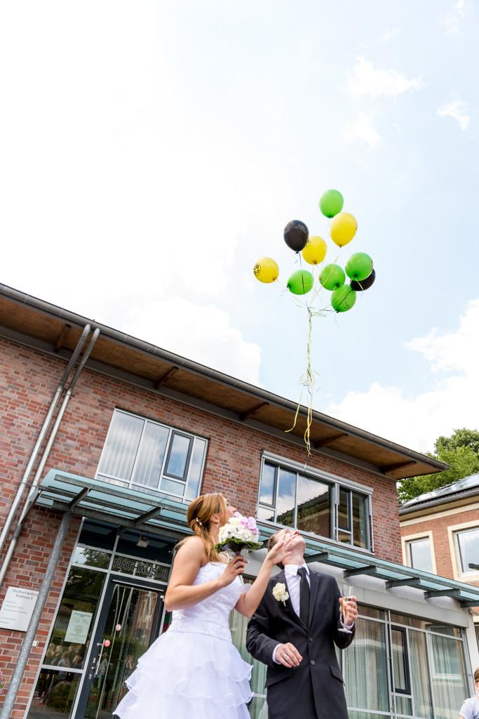 DJF_0311 standesamtliche Hochzeit Trauung Rathaus Standesamt Harsewinkel Fotograf Hochzeitsfotograf Kreis Gütersloh Greffen Paderborn - Diana Jill Fotografie